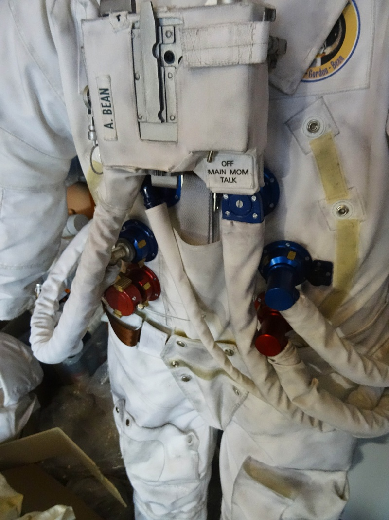 apollo a7l spacesuit - photo #37