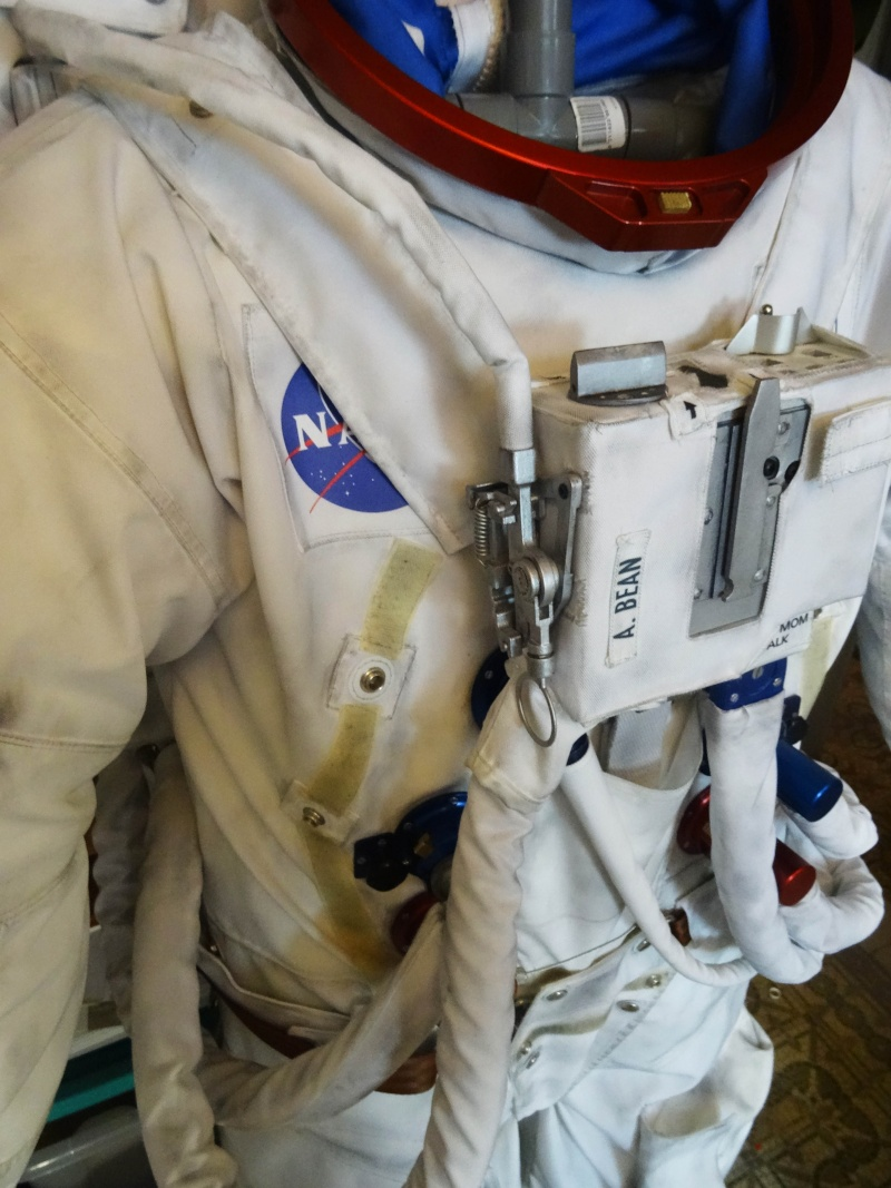 apollo a7l spacesuit - photo #20
