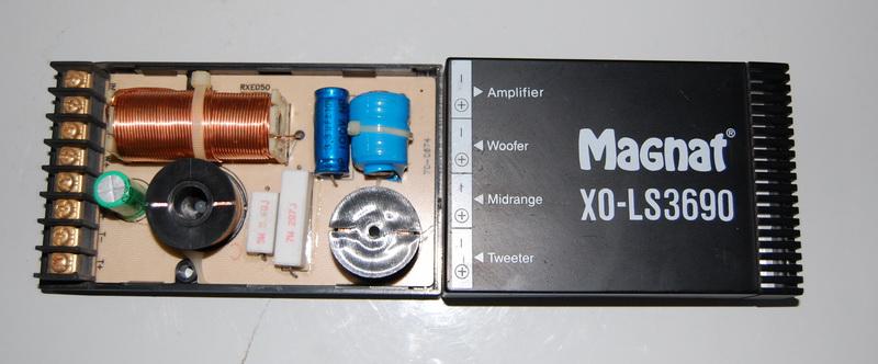进口音箱三分频电路图