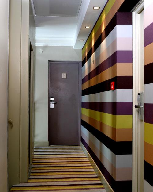 Couloir tage photo page 2 for Couleur peinture couloir etroit