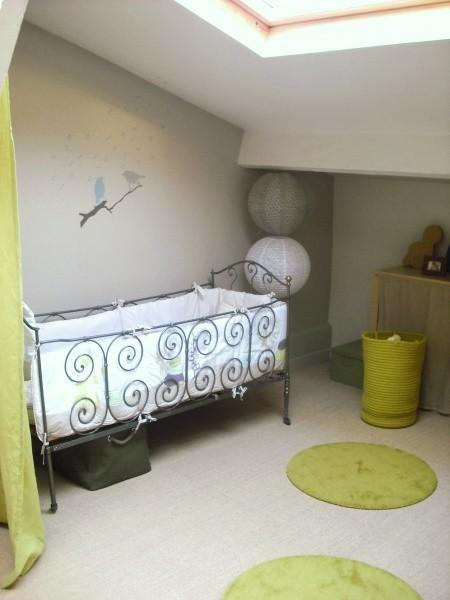Chambre enfant vert et gris for Chambre bebe grise et blanche