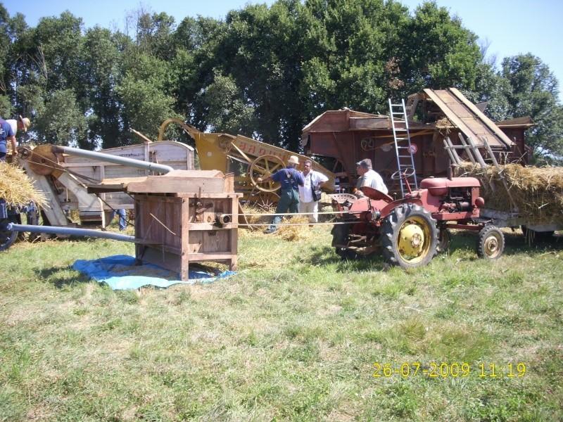f te du village expo de vieux tracteurs. Black Bedroom Furniture Sets. Home Design Ideas