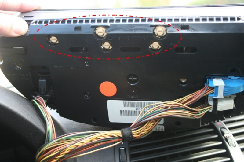 Changer les ampoules d'éclairage du compteur. - Forum MA-BMW