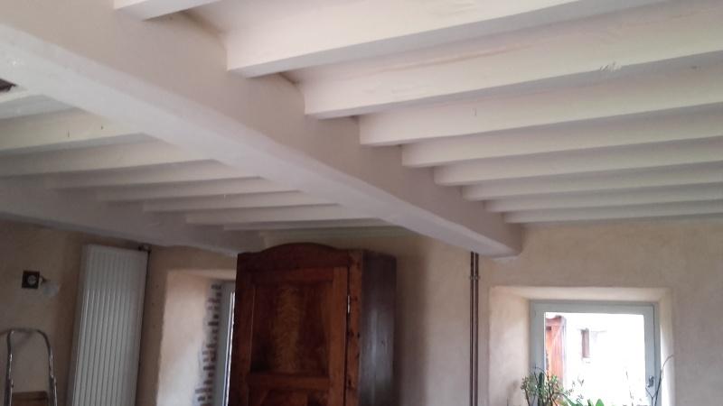 Ancienne ferme rustique souhaite rajeunir - Peinture poutre plafond ...