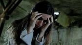 10 % des adolescents ayant débuté leur consommation de cannabis dès l'âge de quinze ans ont présenté une psychose schizophrénique dans les dix ans qui ont suivi