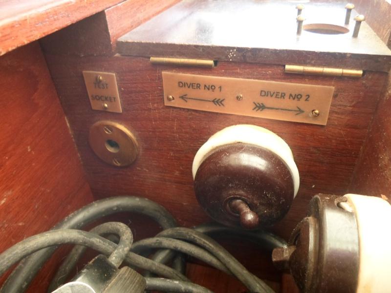 T l phone pour plongeur siebe gorman 1930 for Plongeur restauration