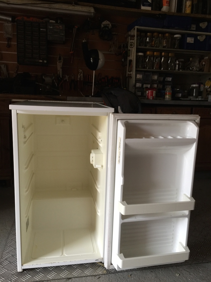 couveuse artisanal frigo. Black Bedroom Furniture Sets. Home Design Ideas